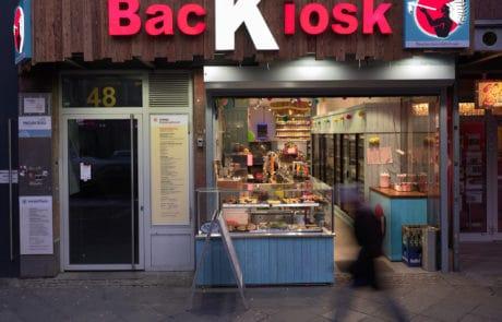 LED-Leuchtwerbung von Backkiosk