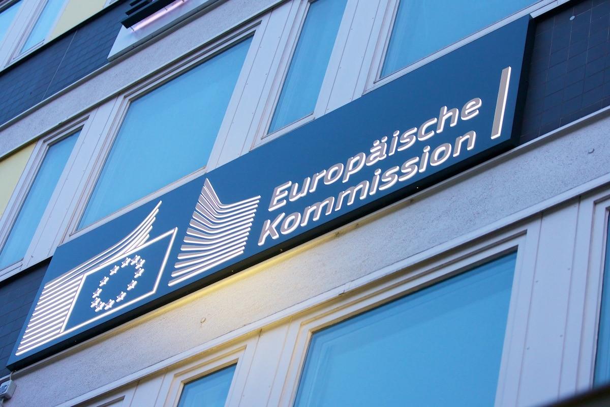 LED-beleuchtetes Schild der Europäischen Kommission