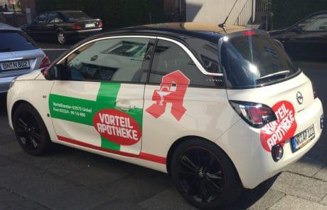 Autofolierung für Dienstauto Apotheke